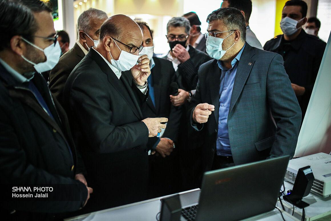 بازدید مدیرعامل شرکت ملی صنایع پتروشیمی از نمایشگاه نفت
