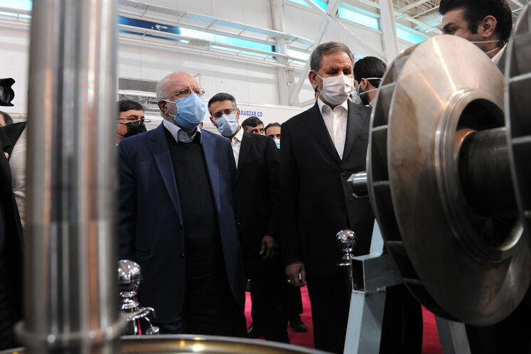 بازدید اسحاق جهانگیری، معاون اول رئیسجمهوری از بیستوپنجمین نمایشگاه بینالمللی نفت، گاز، پالایش و پتروشیمی