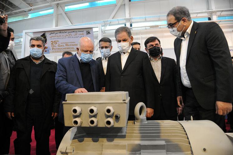 بازدید معاون اول رئیسجمهوری از بیستوپنجمین نمایشگاه نفت