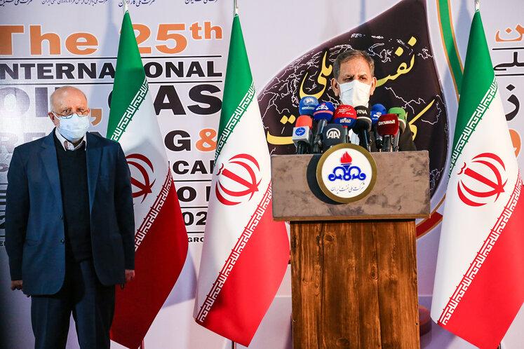 گفتوگوی اسحاق جهانگیری، معاون اول رئیسجمهوری با خبرنگاران در بیستوپنجمین نمایشگاه بینالمللی نفت، گاز، پالایش و پتروشیمی