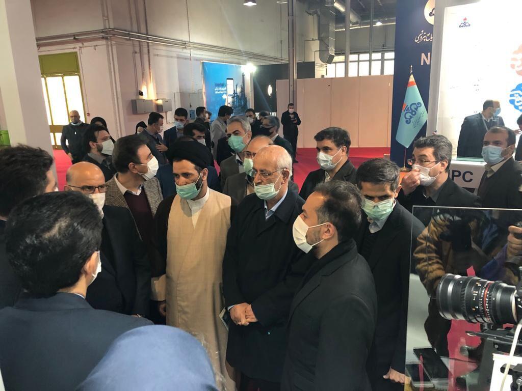 بازید رئیس کمیسیون صنایع و معادن مجلس از نمایشگاه نفت