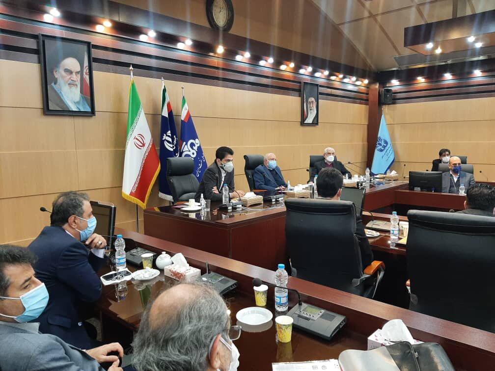 وزیر نفت با سازندگان تجهیزات صنعت نفت دیدار کرد