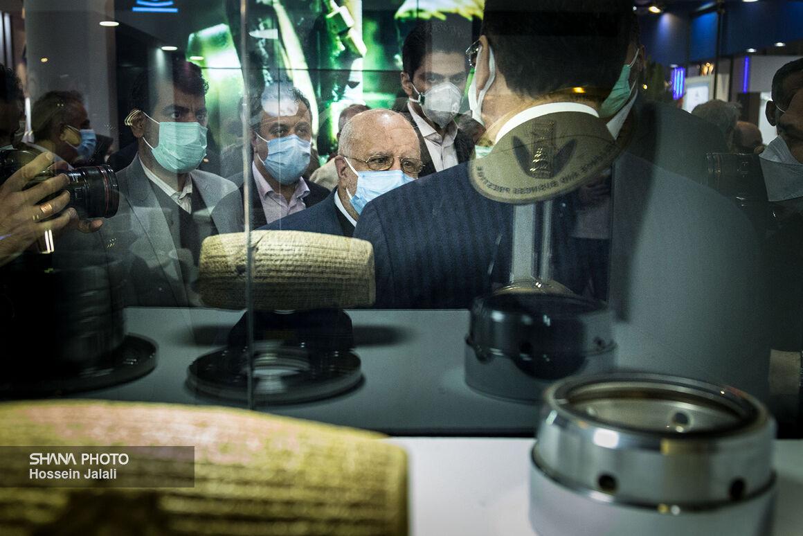 بازدید وزیر نفت از سالن ۳۸ بیستوپنجمین نمایشگاه نفت