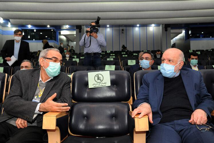 بیژن زنگنه، وزیر نفت و حبیبالله بیطرف در ششمین کنگره راهبردی و نمایشگاه نفت و نیرو