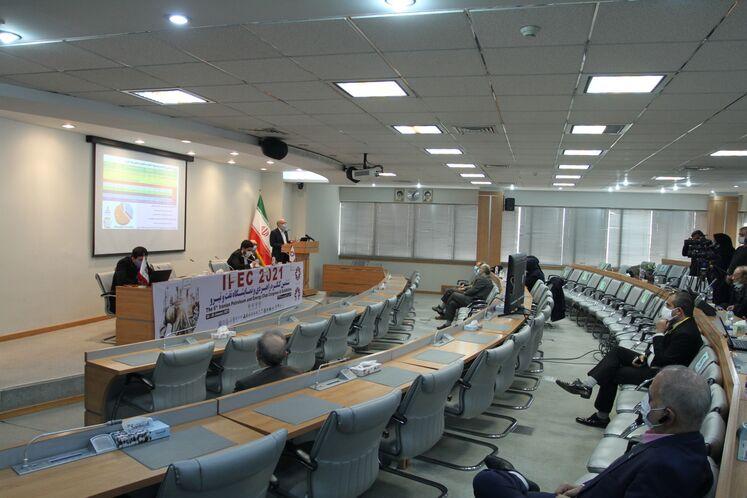 نشست تخصصی «افقهای پیش روی تجارت، ارزشآفرینی و مصرف گاز»