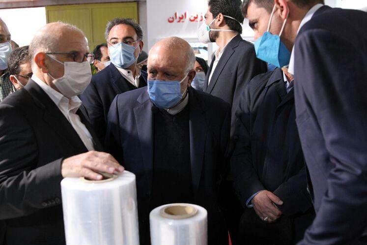 بازدید بیژن زنگنه، وزیر نفت از چهاردهمین نمایشگاه ایران پلاست