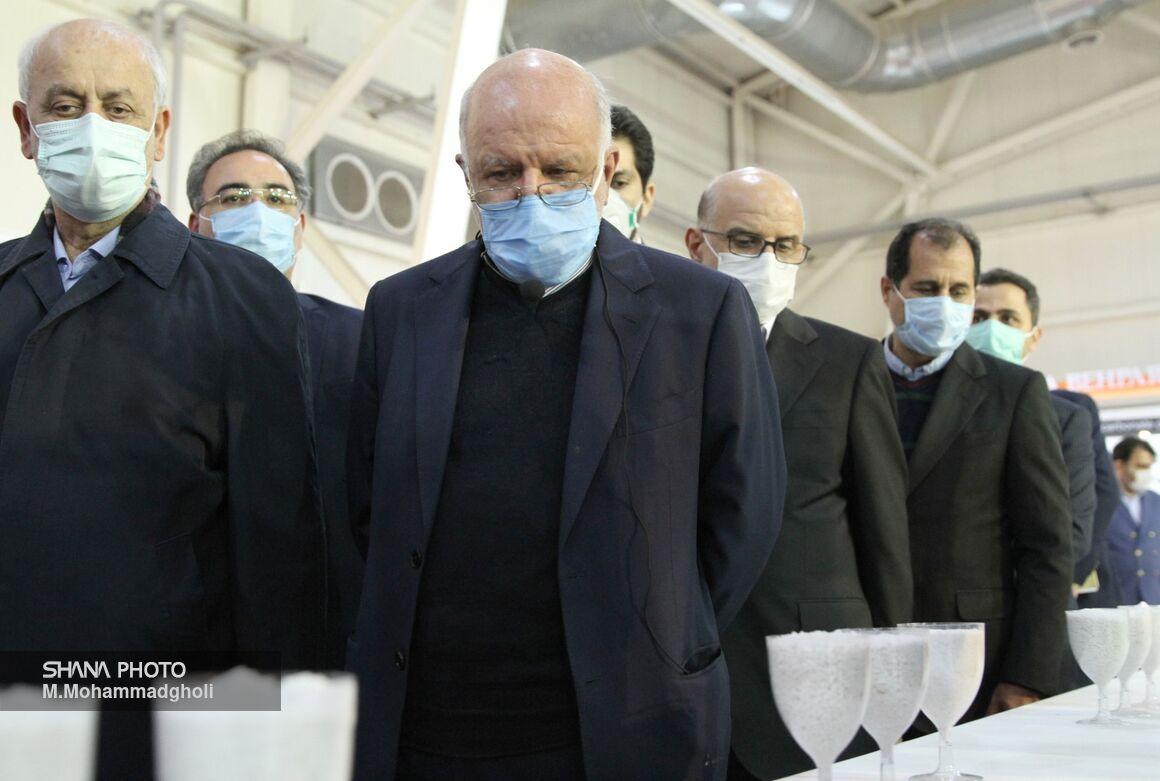 بازدید وزیر نفت از چهاردهمین نمایشگاه ایران پلاست