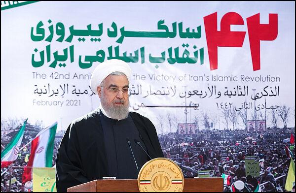 روحانی: به وزارت نفت برای افزایش تولید گاز، بنزین و گازوئیل تبریک میگویم