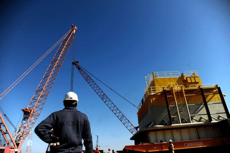 بارگیری نخستین گوی شناور پایانه نفتی جاسک در یارد تاسیسات دریایی خرمشهر