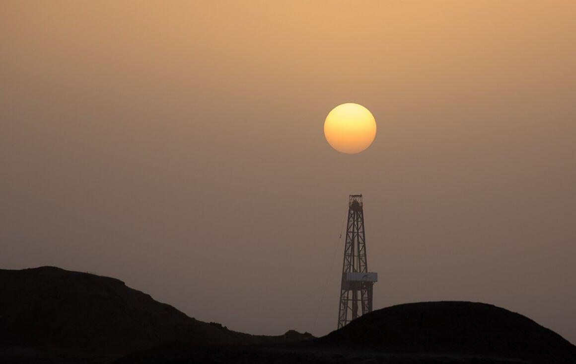 Rouhani to Launch Azar Oil Field Development Plan