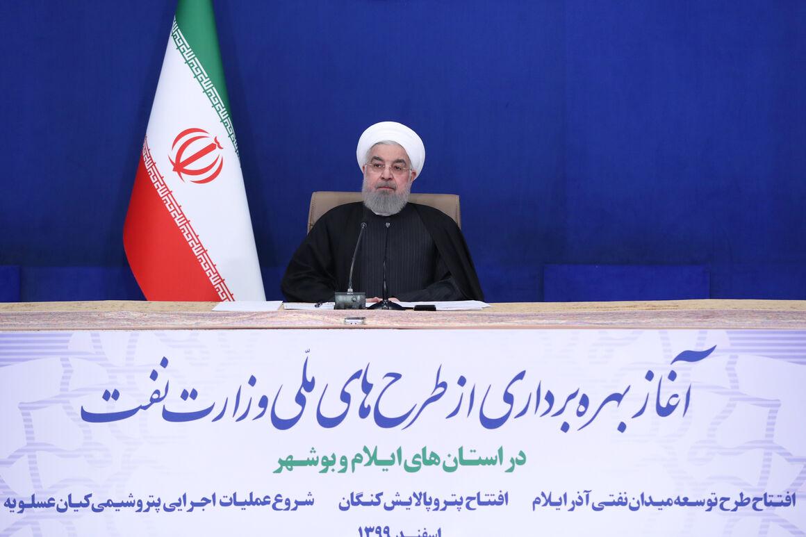 روحانی: صنعت پتروشیمی در سالهای تحریم ما را یاری کرد
