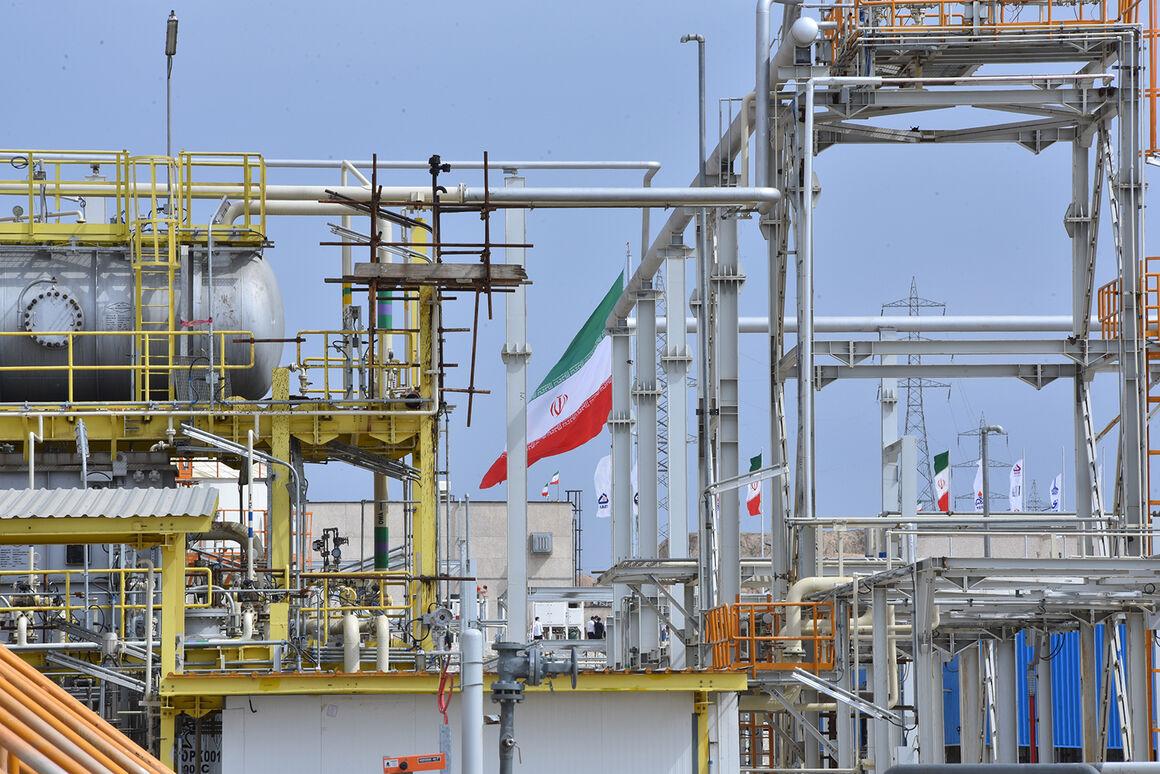 توسعه میدانهای مشترک از راهبردهای اساسی صنعت نفت ایران است