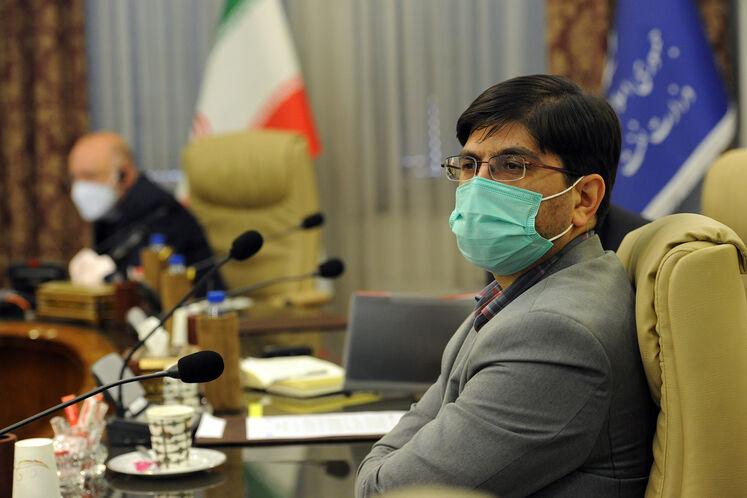 مجتبی رضاخواه، نماینده مردم تهران در بیژن زنگنه، وزیر نفت در چهاردهمین نشست وزیران نفت و انرژی ائتلاف اوپک پلاس