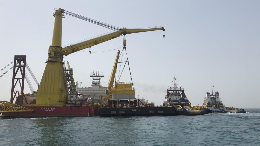 نخستین گوی شناور صادراتی پایانه نفتی جاسک نصب شد