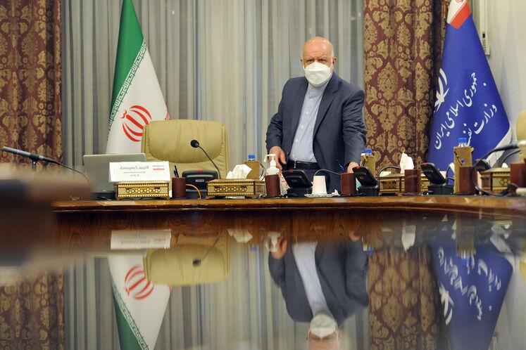 بیژن زنگنه، وزیر نفت در پانزدهمین نشست وزیران نفت و انرژی ائتلاف اوپک پلاس