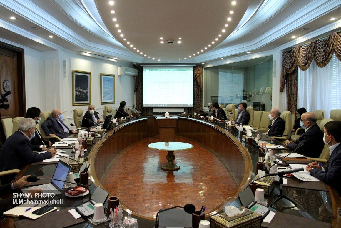 نشست بررسی برنامههای صنعت نفت برای تحقق شعار سال ۱۴۰۰