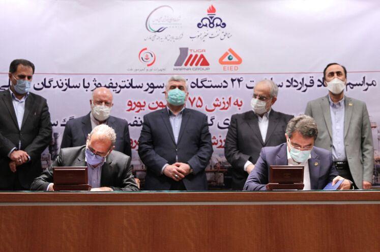 آیین امضای قراردادهای ساخت ۲۴ دستگاه کمپرسور سانتریفیوژ و احداث ایستگاه جمعآوری گازهای همراه نفت منطقه رگسفید