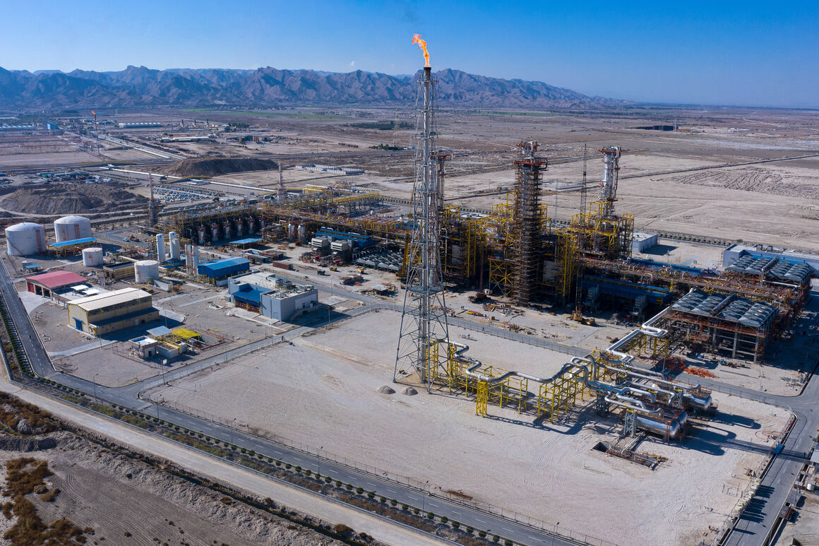 Iran to Launch Major Petchem Projects