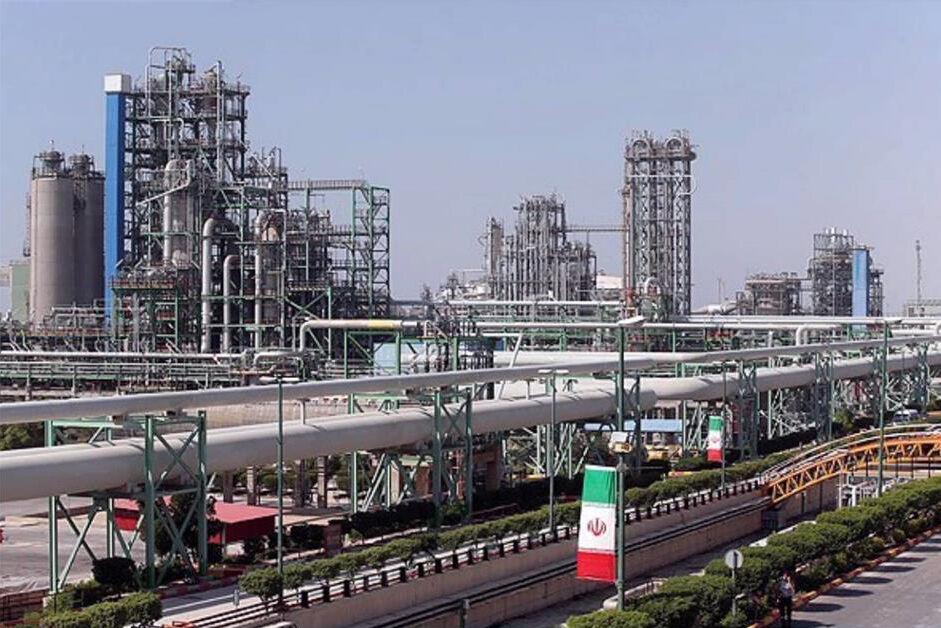 Amirkabir Petchem Plant Breaks 10-Year Production Record in Farvardin