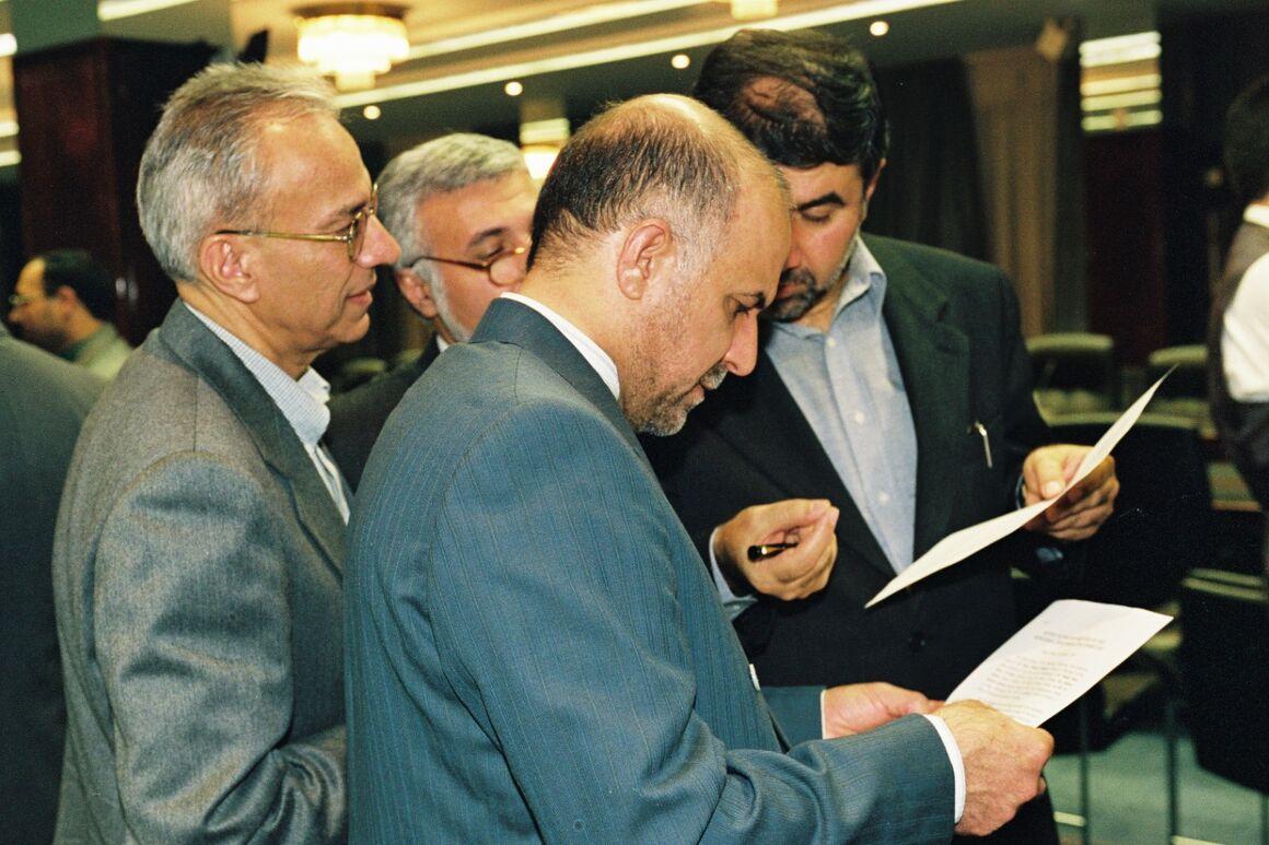 زنگنه: مرحوم «کاظمپور اردبیلی» وقتی پای ایران به میان میآمد کوتاهی نمیکرد