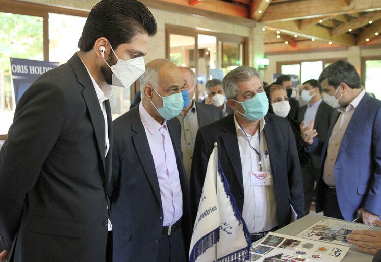 بازدید از نمایشگاه جانبی رویداد بههمرسانی عرضه و تقاضای فناوری فرآورش و نمکزدایی نفت خام