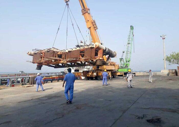 پهلوگیر ۶۰ تنی سکوی بلال به لاوان منتقل شد
