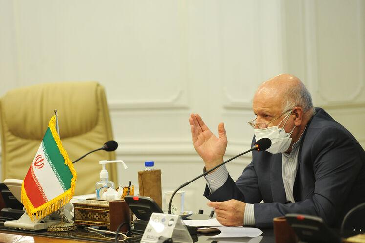 بیژن زنگنه، وزیر نفت در دیدار علی عبدالامیر علاوی، وزیر دارایی  و ماجد حنتوش، وزیر برق عراق
