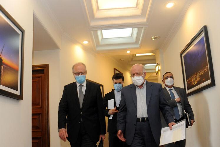 دیدار بیژن زنگنه، وزیر نفت با علی عبدالامیر علاوی، وزیر دارایی  و ماجد حنتوش، وزیر برق عراق