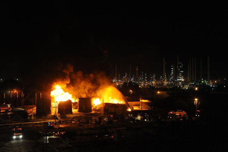 حادثه آتشسوزی مخازن ضایعات نفتی پالایشگاه تهران