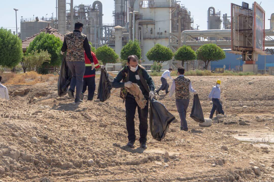 فجریها حاشیه خور جعفری را پاکسازی کردند