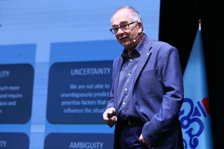 هالس اشنایدر، عضو هیئت ملی بنیادمدیریت کیفیت اروپا