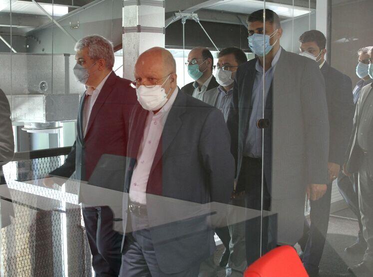بازدید بیژن زنگنه، وزیر نفت و سورنا ستاری، معاون علمی و فناوری رئیسجمهور از پارک نوآوری و فناوری صنعت نفت