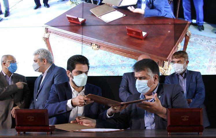 امضای موافقتنامه ایجاد پردیس مشترک با شهرک علمی و تحقیقاتی اصفهان در حاشیه آیین گشایش رسمی پارک نوآوری و فناوری صنعت نفت