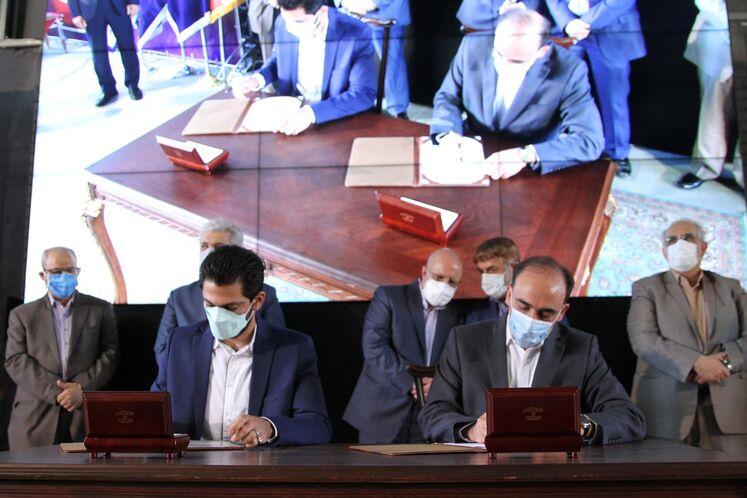 امضای موافقتنامه ایجادمرکز نوآوری و رشد مشترک با دانشگاه صنعتی شیراز در حاشیه آیین گشایش رسمی پارک نوآوری و فناوری صنعت نفت