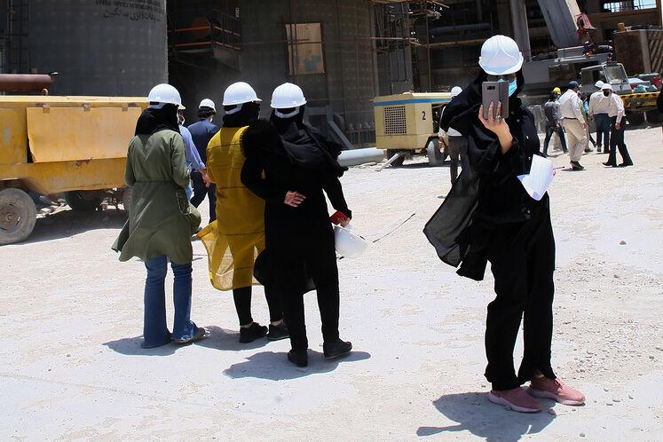 بازدید خبرنگاران از طرح توسعه و تثبیت ظرفیت پالایشگاه آبادان