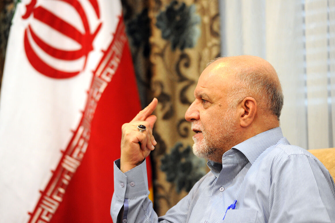 Zanganeh: I will not withhold my consultation from President-Elect Raisi