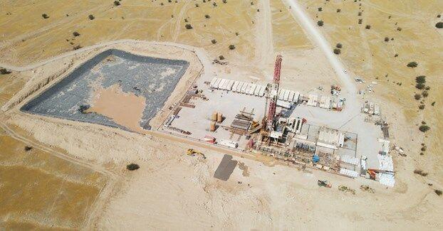 عملیات اجرایی طرح نگهداشت و افزایش تولید نفت منصورآباد آغاز شد