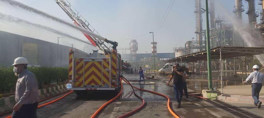 آتشسوزی انبار پتروشیمی امیرکبیر خاموش شد