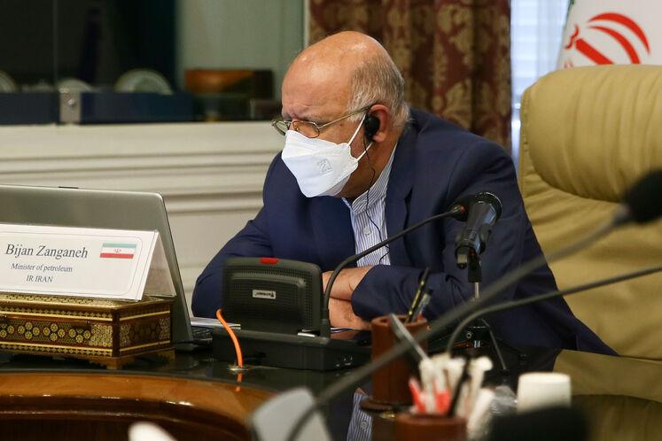 بیژن زنگنه، وزیر نفت