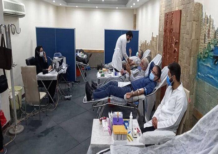 کارکنان شرکت پایانههای نفتی خون اهدا کردند