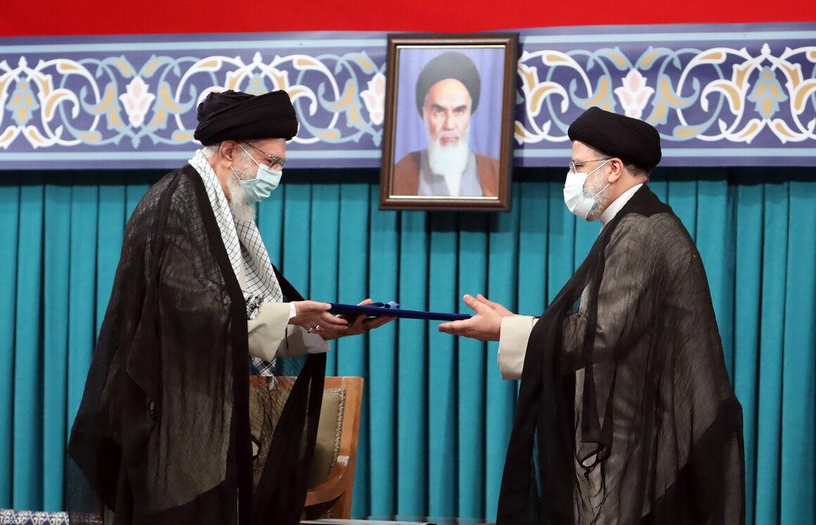 رهبری حکم تنفیذ ریاست جمهوری ابراهیم رئیسی را اعطا کردند
