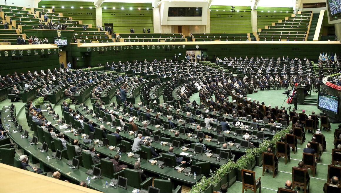نشست  مجلس برای بررسی سوابق وزیر پیشنهادی نفت غیرعلنی شد