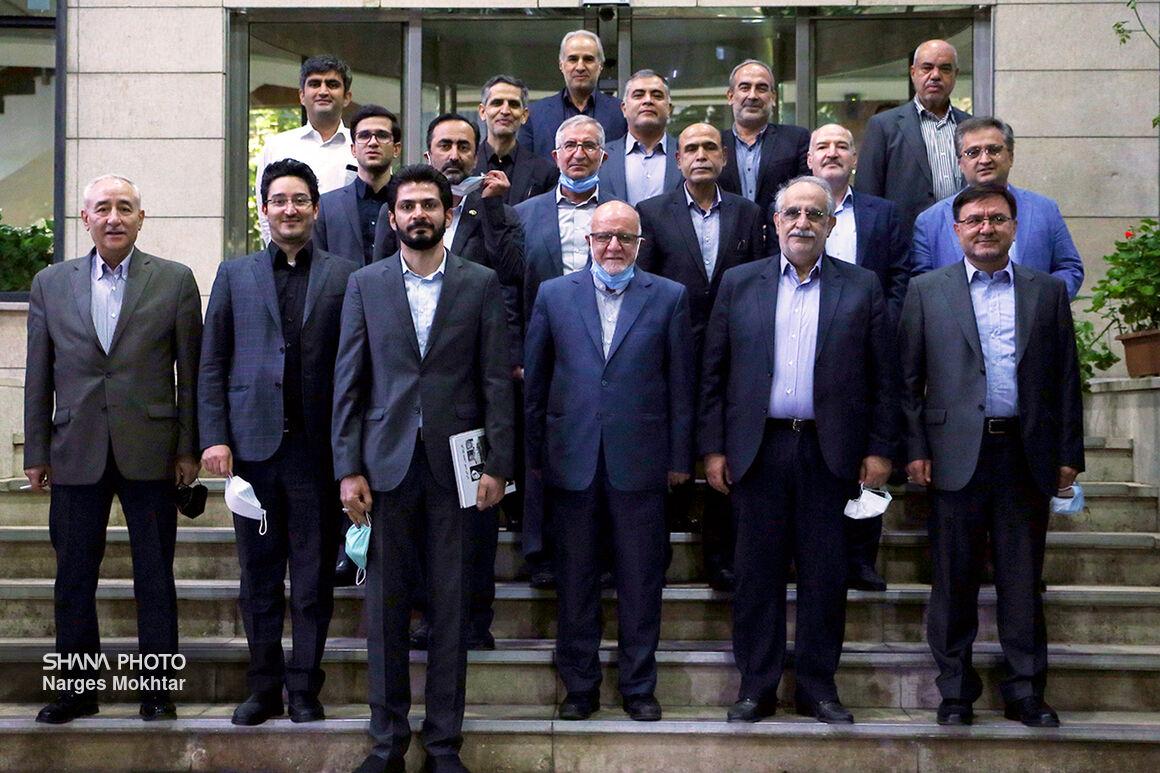 آخرین نشست زنگنه با معاونان وزارت نفت