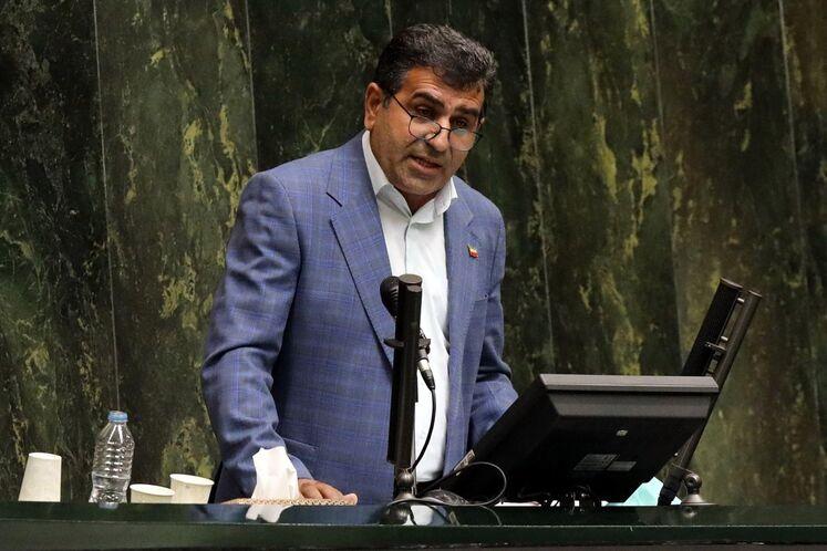 علی بابایی کارنامی، نماینده ساری در مجلس و موافق وزیر پیشنهادی نفت
