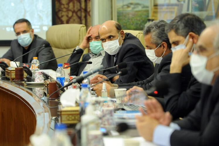 نخستین جلسه شورای معاونین وزیر نفت با حضور جواد اوجی، وزیر نفت