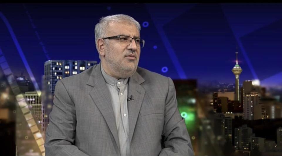وزیر نفت با رادیو اقتصاد گفتوگو میکند