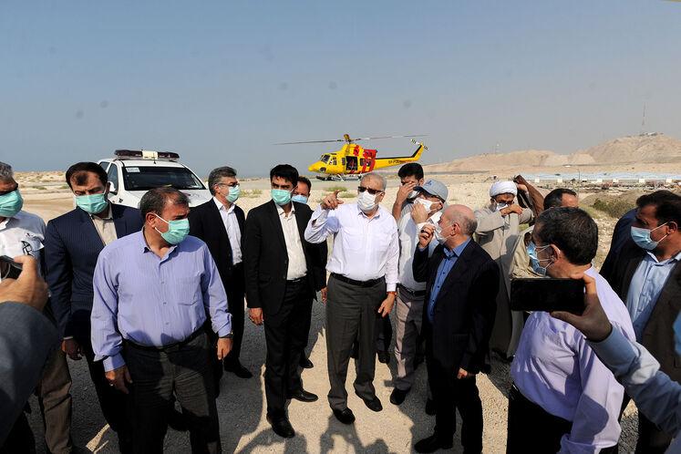روز دوم سفر جواد اوجی، وزیر نفت به منطقه ویژه اقتصادی انرژی پارس/ روز جمعه ۱۲ شهریورماه