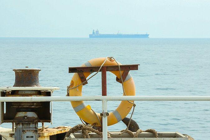 نفتگیر شرقی پایانه خارک بازسازی میشود