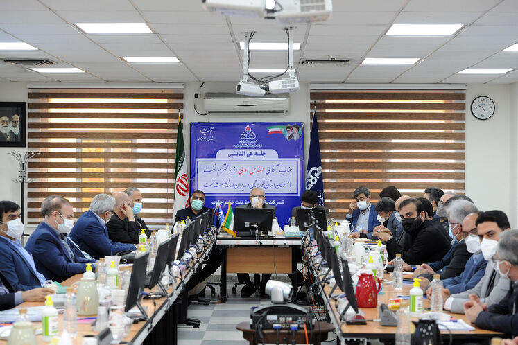 نشست وزیر نفت با مسئولان و مدیران ارشد صنعت نفت در خوزستان