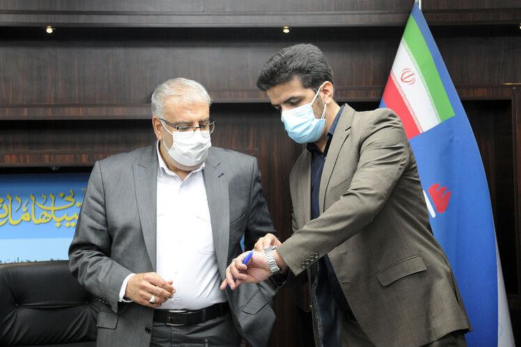 پیام کهتری انور، مشاور و مدیرکل دفتر وزارتی وزیر نفت و جواد اوجی، وزیر نفت